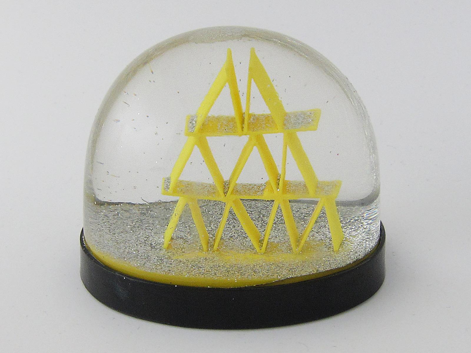 snowdome-kunstschneekugel-011-Kartenhaus
